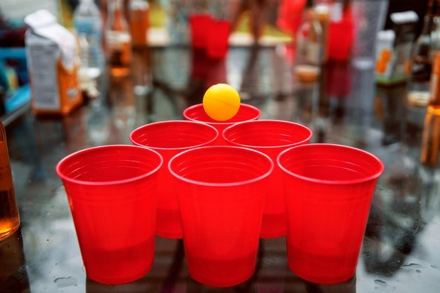 Beer Pong Stock