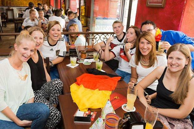 Besitos Fußball WM EM