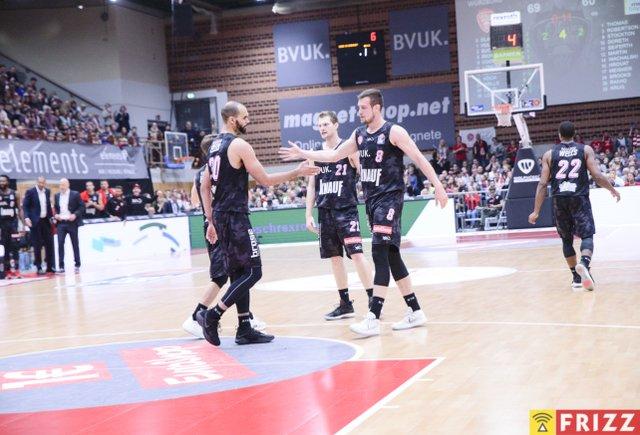 baskets frizz-086.jpg