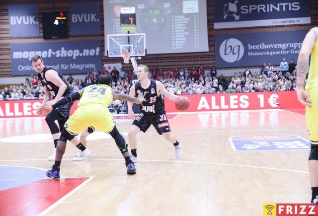 baskets frizz-100.jpg