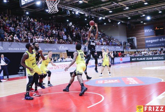 baskets frizz-194.jpg
