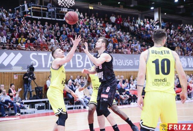 baskets frizz-210.jpg