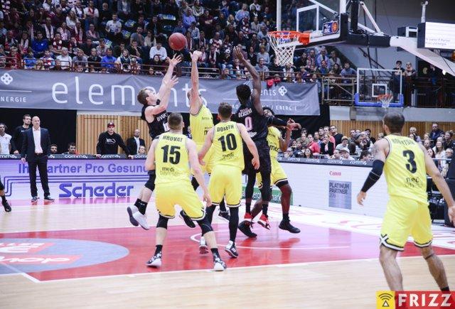 baskets frizz-246.jpg