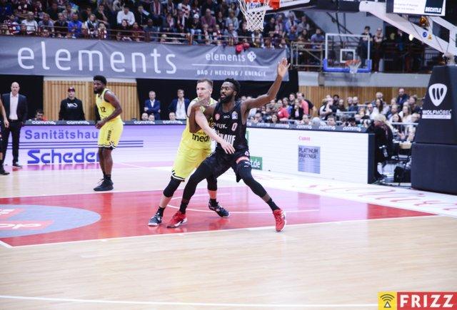 baskets frizz-250.jpg