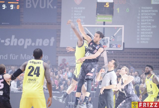 baskets frizz-344.jpg