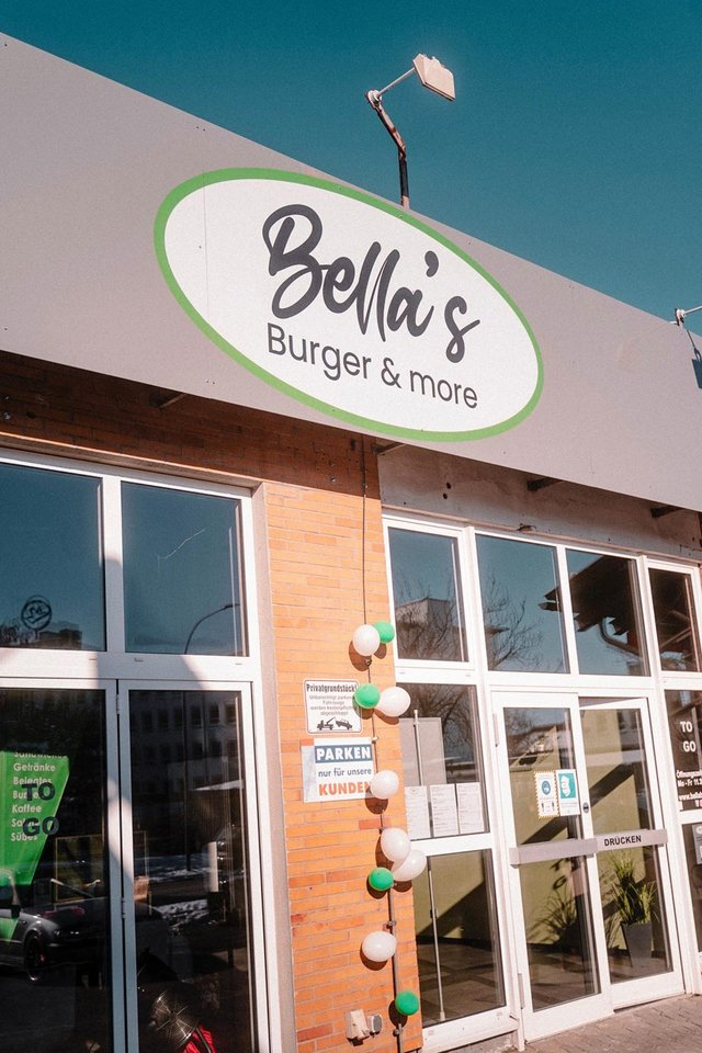 Bellas Burger