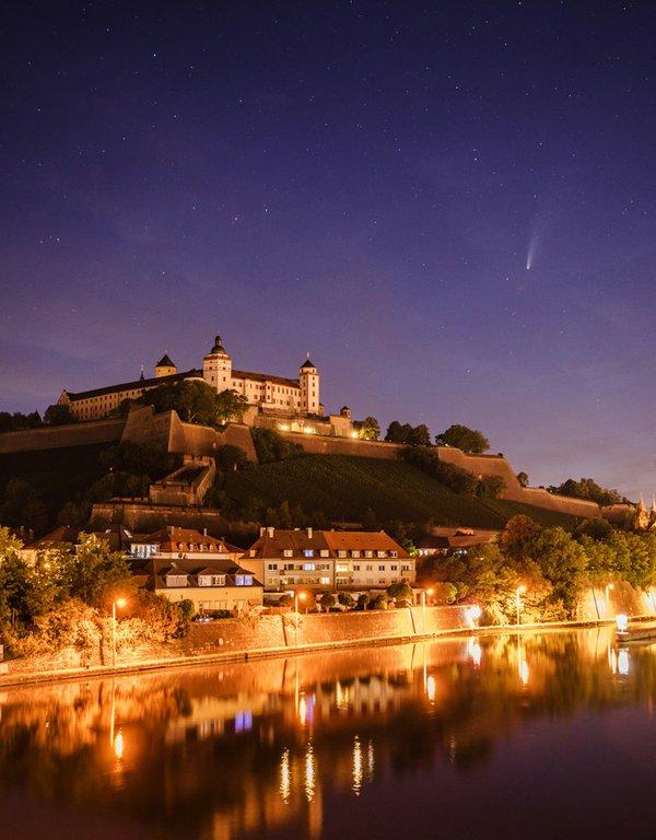 Das ist Würzburg - Komet Neowise_web.jpg