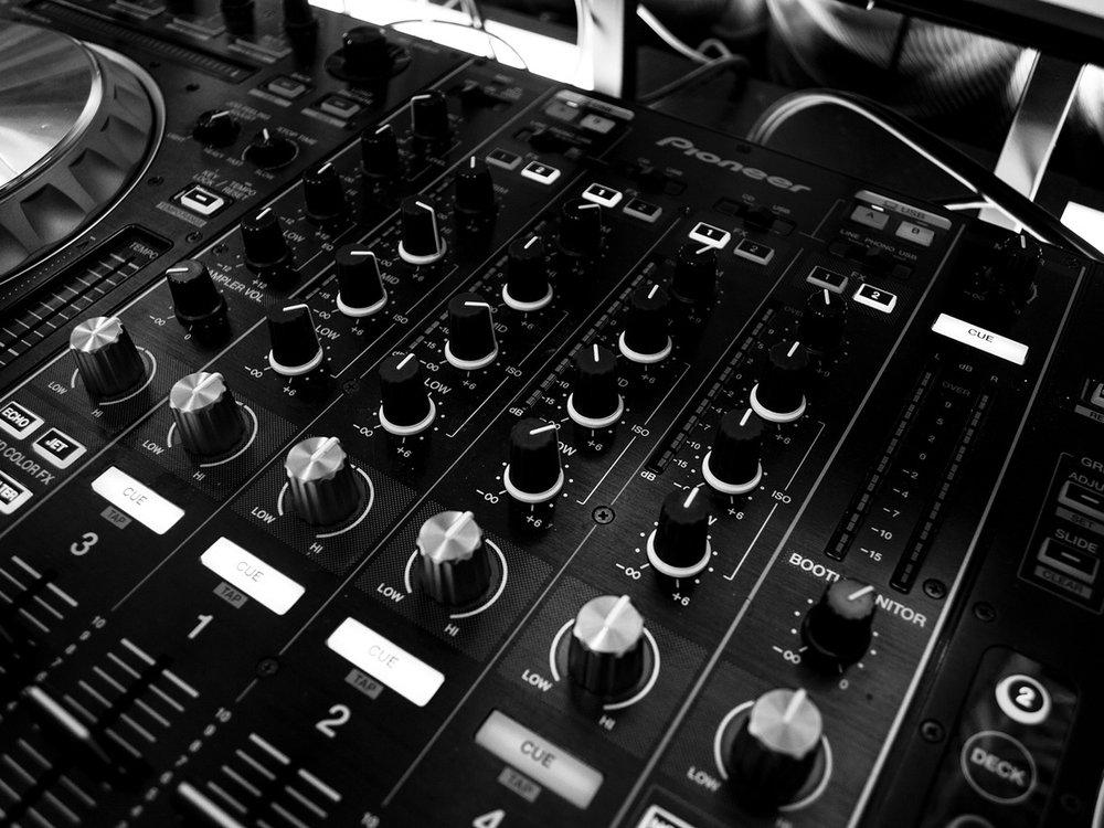 DJ Stock