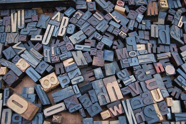 Druck Print Buchstaben Stock