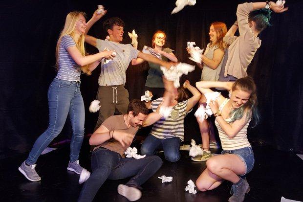 Holländer fliegt Theaterwerkstatt